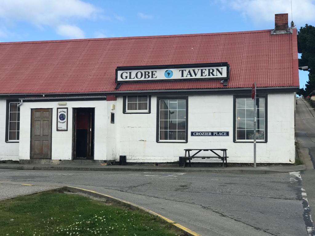 glober tavern. w garage